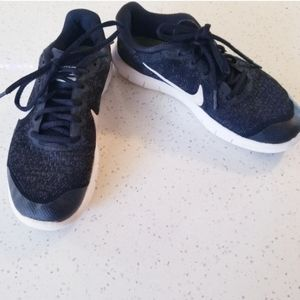 Nike Black Free Shoes Youth 4.5